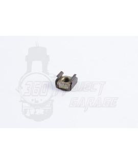 Dado fissaggio pedale freno posteriore con clip di ancoraggio Vespa  PX, 50 Special, 125 ET3, Primavera, 50 L, N, R